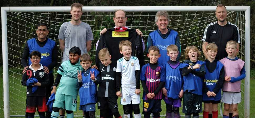 Cash Converters franchisee sponsors local under-eights football team