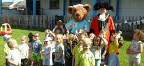 Lord Mayor visits Bristol nursery children