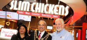 Lord Mayor enjoys a taste of life-changing chicken at new Birmingham restaurant