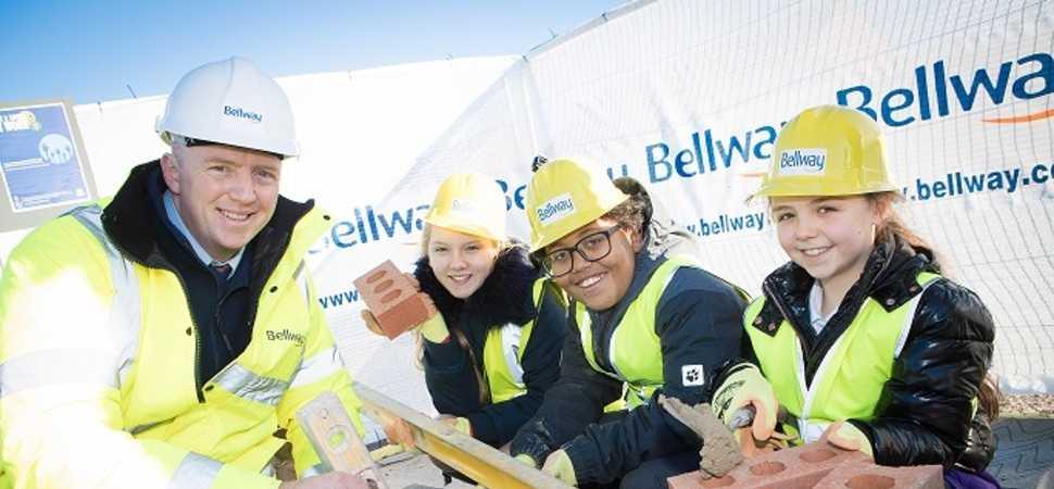 Bellway provides bricklaying taster for schoolchildren