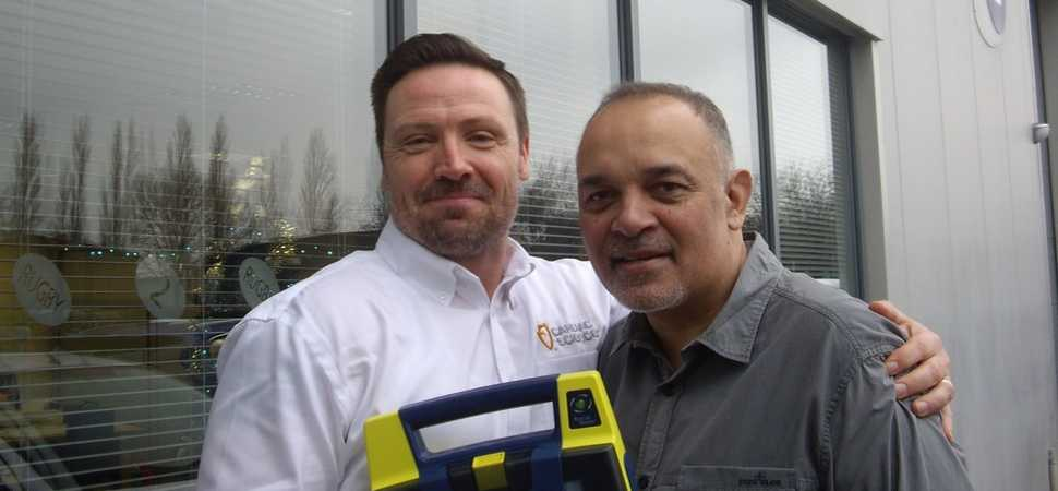 Defib Donated To Young People's Heart Screening Charity