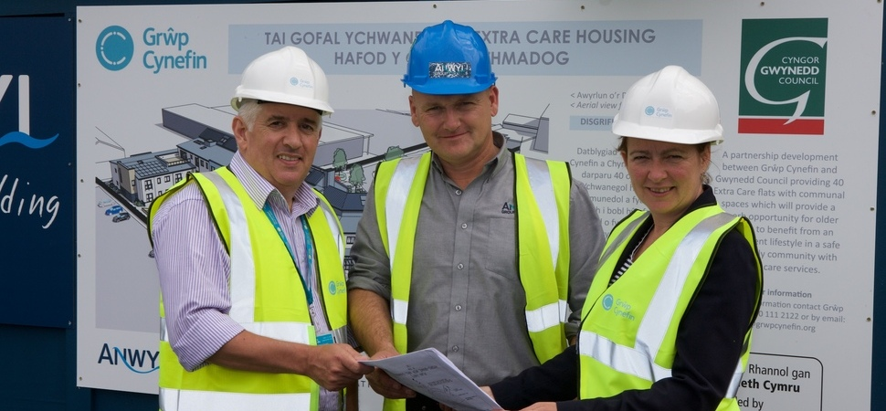Politicians praise progress on extra care housing for Porthmadog