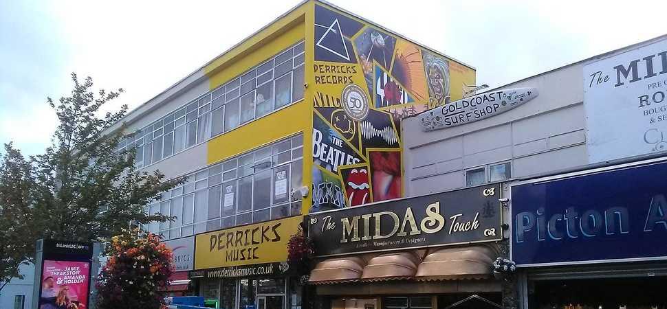 Derricks Rocking Mural is a Top 50 Hit