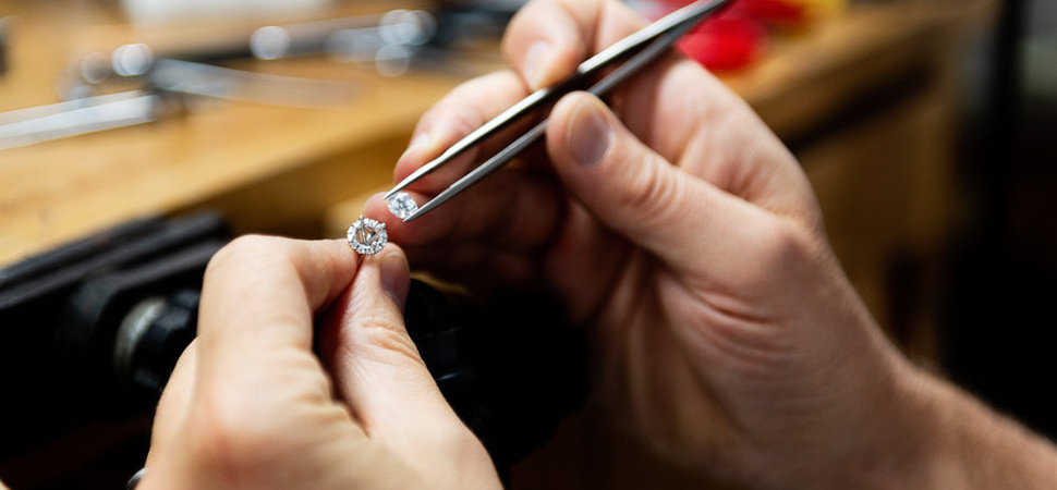 How to get a career in jewellery technology