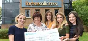 Forbes Fizz and Fun Raises Money for Nightsafe