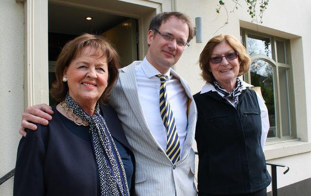 The Antiques Team raise cash for children's hospice