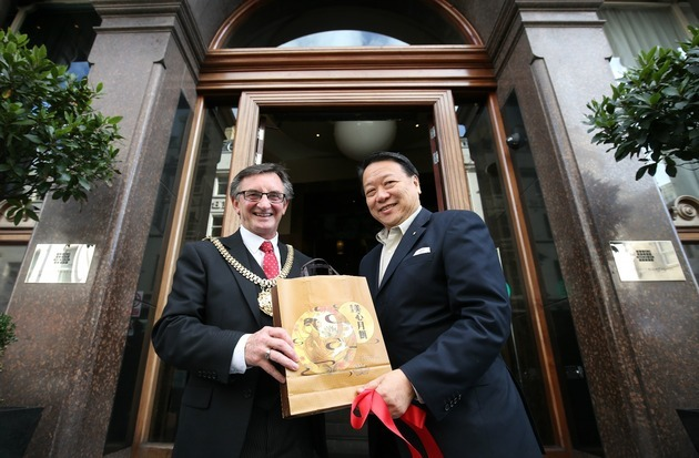 Liverpool's Lord Mayor meets with new owners of Hard Days Night Hotel