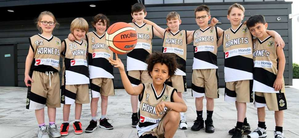 Vertu Honda Newcastle scores with support for junior basketball team