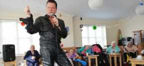 Swinging sixties stirs memories for Shoreham care home