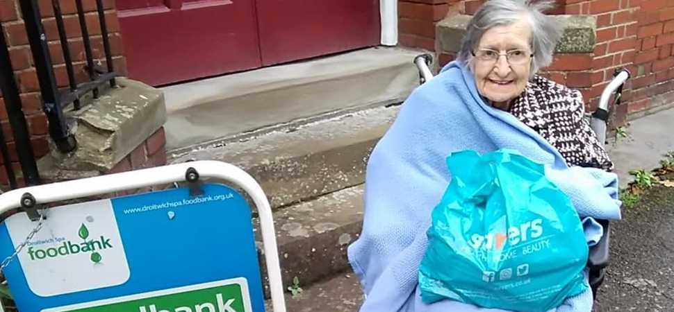 Droitwich care home supports local community through food bank collection