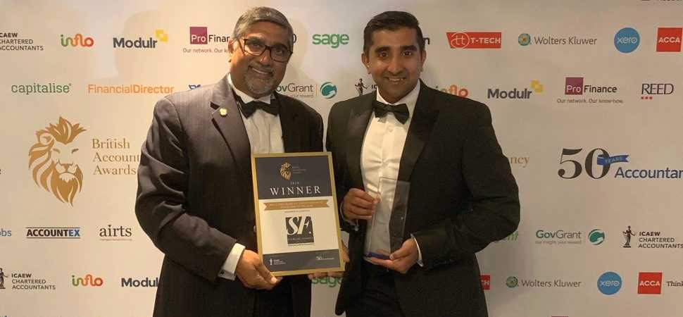 Small Manchester accountancy firm beats global giants to top industry award