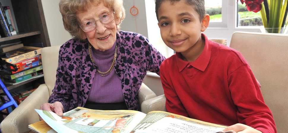 Cringleford care home residents take birdwatch weekend to the nest level