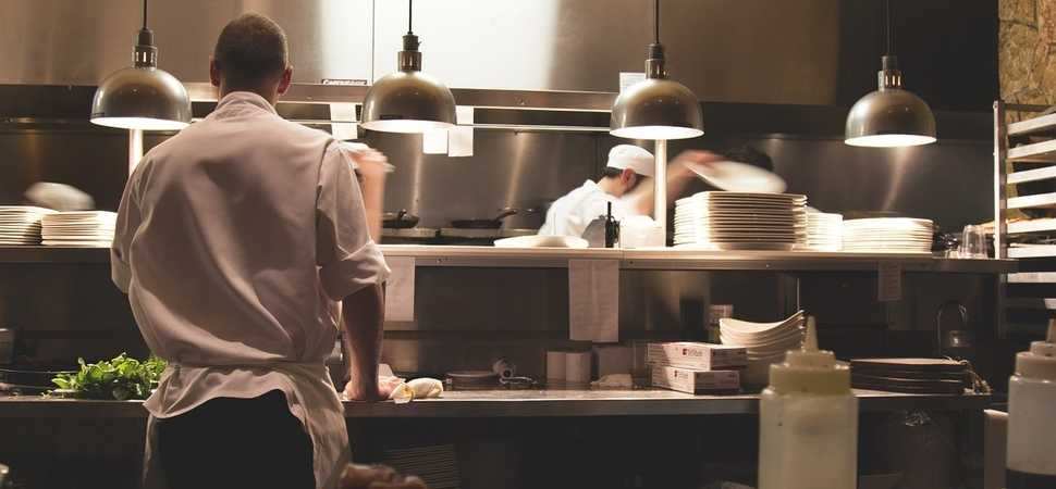 Preventing cross-contamination and cross-contact in commercial kitchens