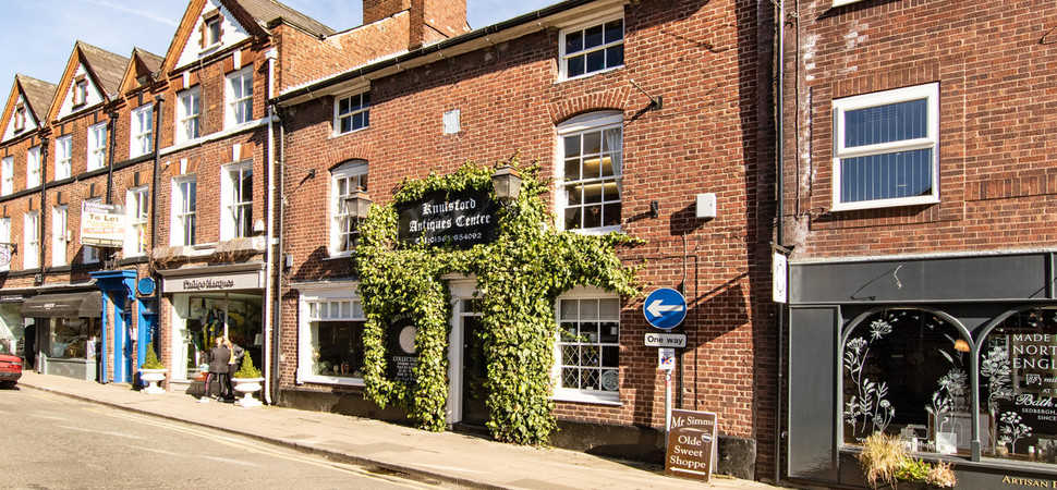 Three storey Grade II-listed commercial property on Knutsford's King Street comes to market for £950,000