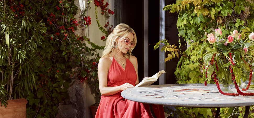 Kylie unveils her exclusive range of frames for Specsavers