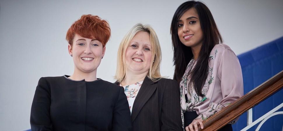 Trio add firepower to law firm Bromleys