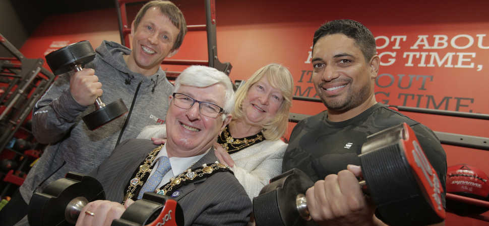 Piers Linney and Rochdale Mayor help launch new fitness business