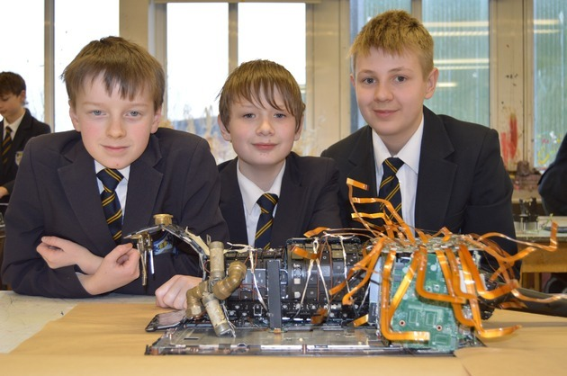 The art of spare parts - Flextronics donate to local school