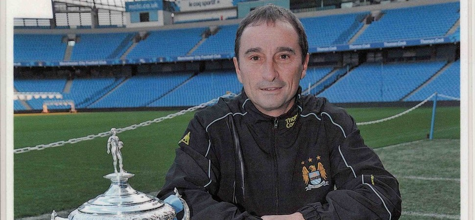 Former Premiership coach goes back to the classroom