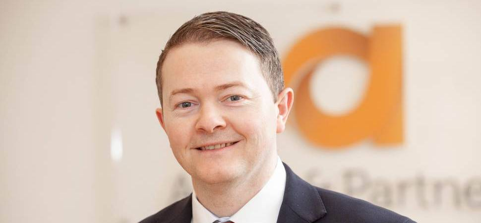Construction specialist strengthens services at top law firm