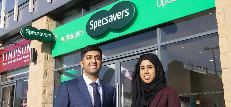 Ambitious directors launch new Specsavers on former Sheffield steelworks site after £350k investment