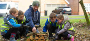 Redrow Homes teams up with Caddington school to support bumblebee population of