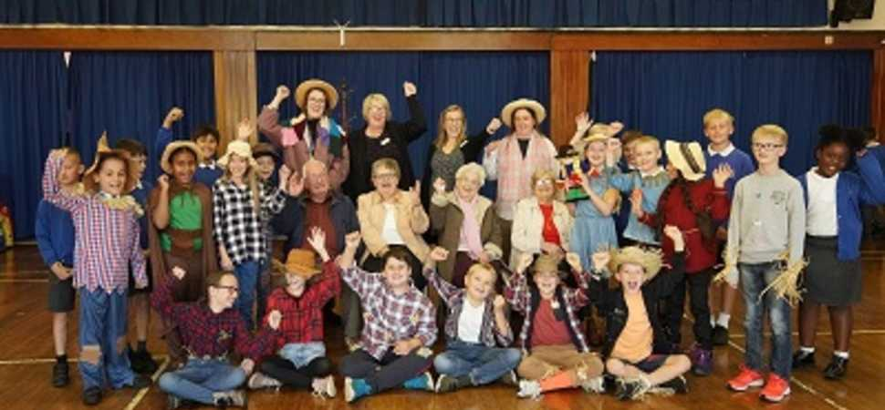 Scarecrow brings Chelmsford pupils and care home residents together to learn about dementia