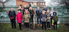 Middleton Primary pupils team up with Huddersfield web agency Splitpixel to protect local wildlife