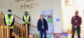 Leicester foodbank praises local housebuilder for kind donation