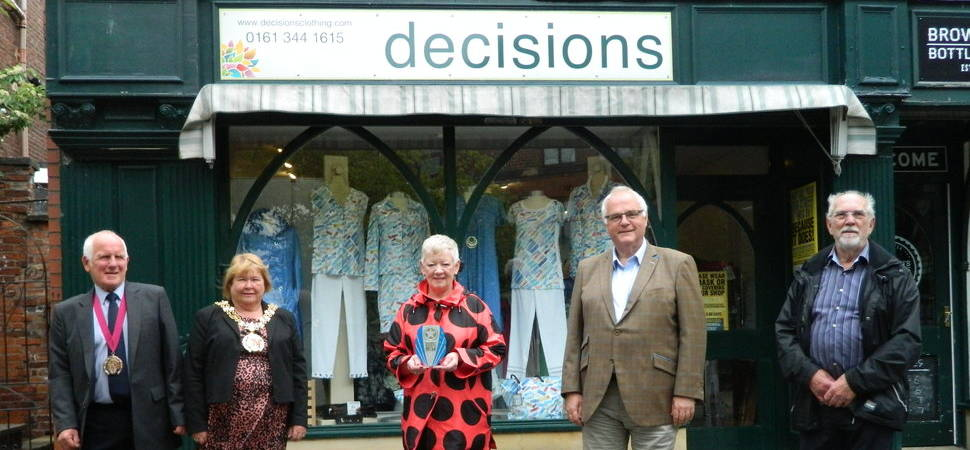 Val bags top accolade at awards for independent retailers
