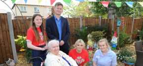Local MP celebrates work of the Princes Trust at Ellesmere Port care home